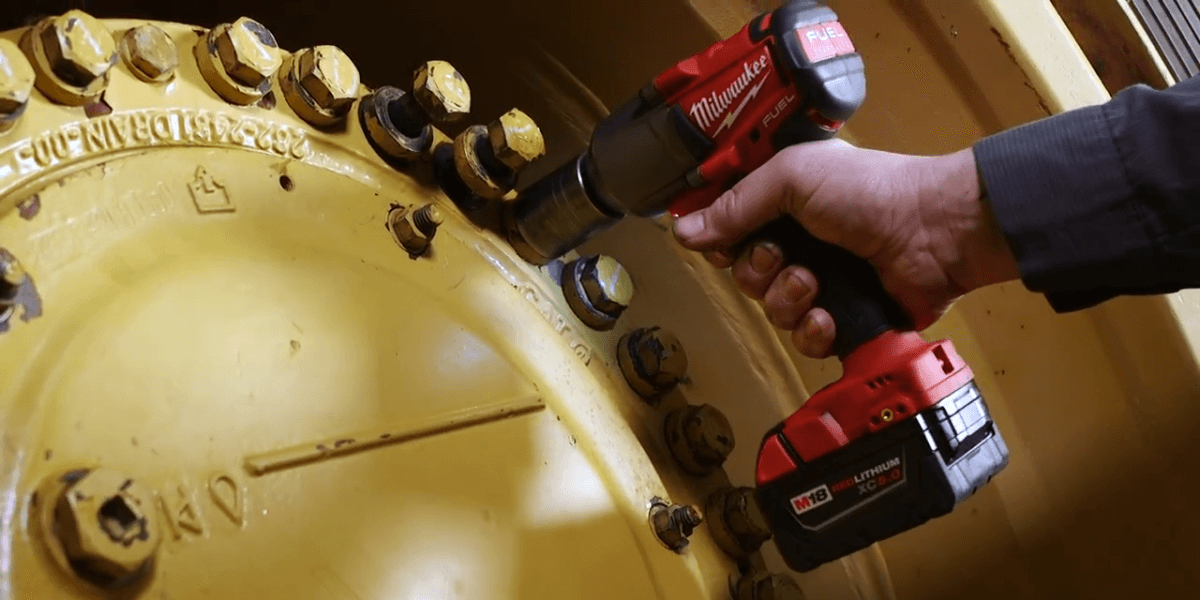 """Milwaukee M18 FUEL ½"""" High Torque Impact Wrench Review"""