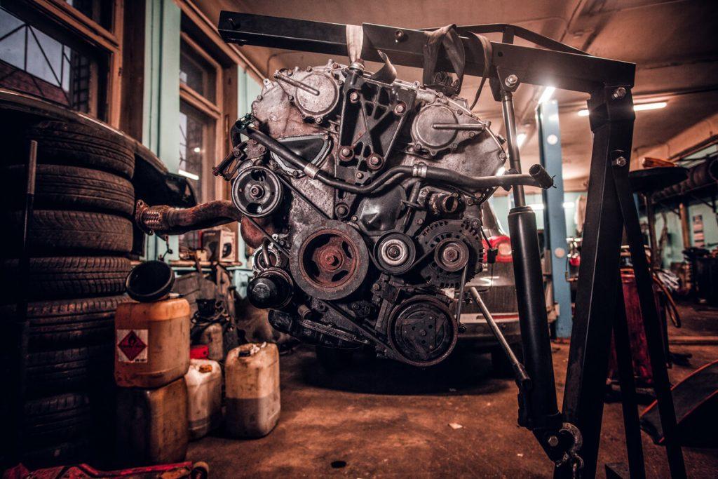 Old engine crane